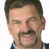 Larry Kaduce, Broker/Owner, Mankato MN (RE/MAX Dynamic Agents)