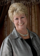dee davey (re/max associates)