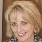 Connie McGregor (Russ Lyon Sotheby's International Realty)