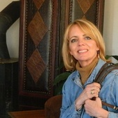 Sondra Meyer:, See It.  Experience It.  Live It.  (KW Client's Choice Realty )
