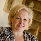 Joan Inglis, Master Accredited Staging Professional, Home Staging, Model Merchandising, Interior Design (Carolina Spaces, LLC  www.CarolinaSpaces.com)