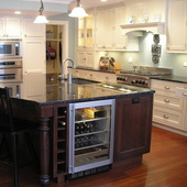 Stacie Pietrolaj (Innovative Kitchens & Interiors)