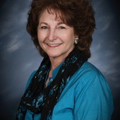 Connie Knox (Prudential Premier Properties)