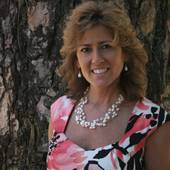 Wendi-Mae Davis, CRS, GRI, Broker Associate (Future Homes & Real Estate)