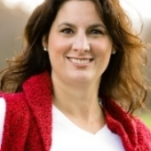 Kelly  McGovern,                  Working with Kelly is a good move (Realty Concierge International)