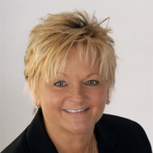 Regina Nichols (RE/MAX Distinctive)