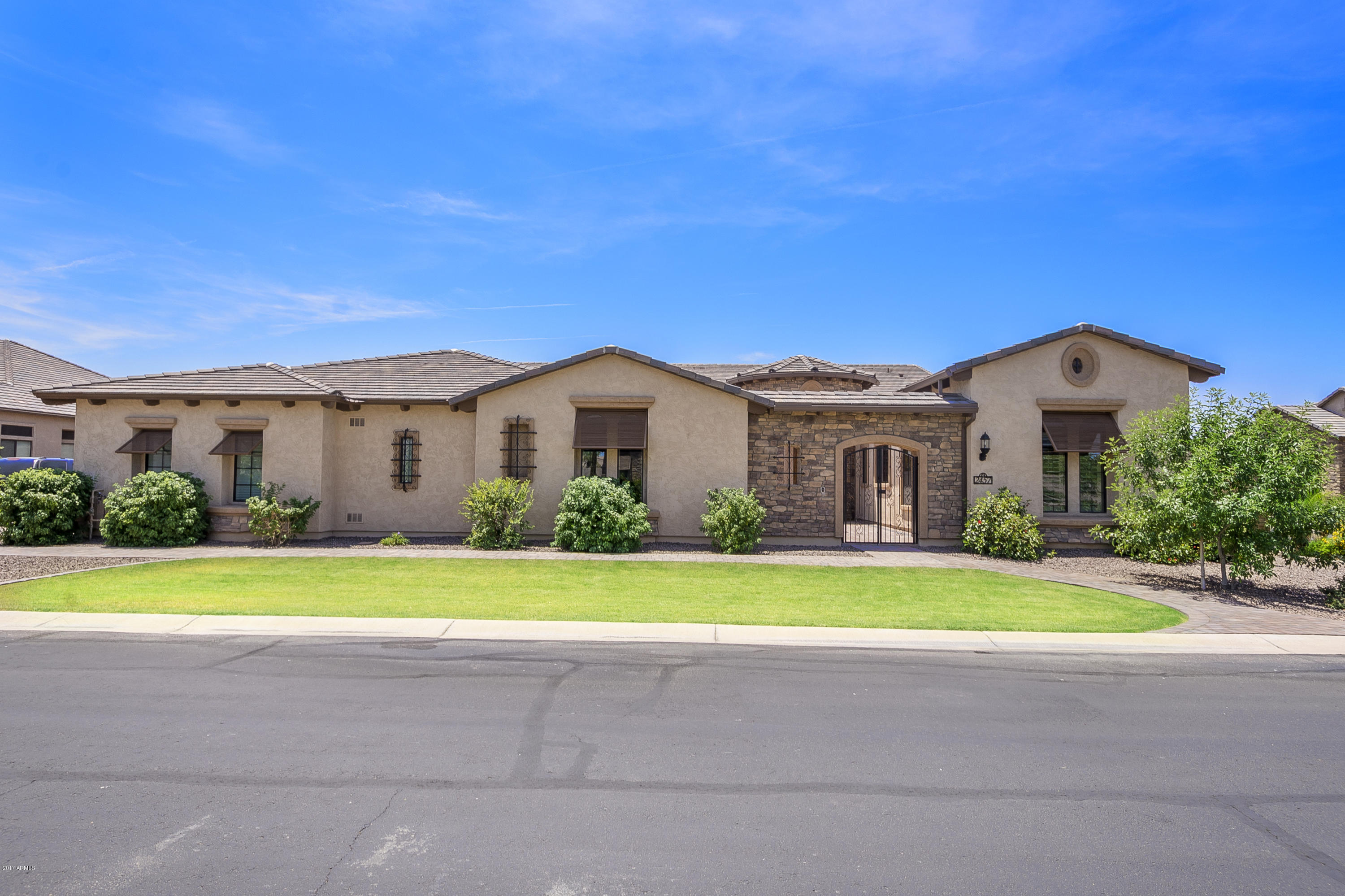 4 bed 5 5 bath th ranch luxury home w 50 39 rv garage for House with rv garage for sale