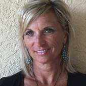 Kelley Thompson, Golf Course/Beach home aficionado serving Sarasota (KellerWilliams Realty Select)