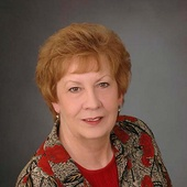 Carlene Redmond (Century 21 1st Choice Realtors)