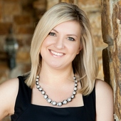 Brandy Costello (RE/MAX Town & Country)