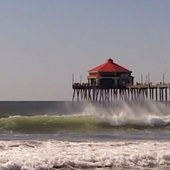 Hb_pier_and_waves