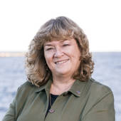 Ann Cummings, Portsmouth NH Real Estate Preferrable Agent (RE/MAX Shoreline - NH and Maine)