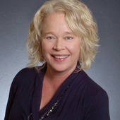 Julie Moorhead, Selling Homes: It's What I Do (Edina Realty, affiliate of Berkshire Hathaway)