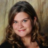 Holly Clark (Century 21 Real Estate Unlimited)