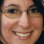 Lisa Schmitt (Coldwell Banker Honig-Bell)