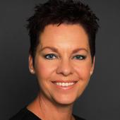 Jennifer Los (Re/Max Centre City Realty Inc. Brokerage)