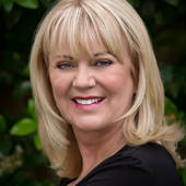 "Kathy Smiley, Westlake Village, CA -         ""Making YOU Smile!"" (Rodeo Realty ~ Fine Estates Westlake Village)"