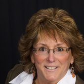 Teri Cranston, Service with a smile (Realty USA)