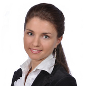 Barbara Karolak (Prudential Douglas Elliman Real Estate)