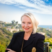 Paula Knauft, Coastal Luxury Homes Specialist (Berkshire Hathaway HomeServices California Properties)
