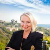 Paula Knauft, Coastal Luxury Homes Specialist (Berkshire Hathaway HomeServices California Properties)