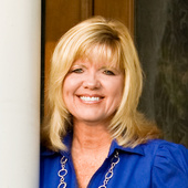 Cindy Gavin (Coldwell Banker Vanguard Realty)