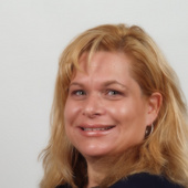 Stacey Susi (Re/max Real Estate Center)