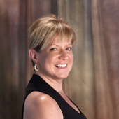 Theresa Minichiello, Accredited Staging Professional Master (Stage Right! Home Staging, LLC)