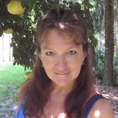 Juliet  Johnson, Jacksonville Social Media Marketing  (Vizzitopia)