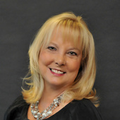 Kim Blanton (5 Star Realty Group )