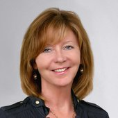 Linda McCullough, Experience Isn't Expensive...It's Priceless (RE/MAX Country Realty)