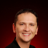 Lucas Taylor (Keller Williams Miami Beach )