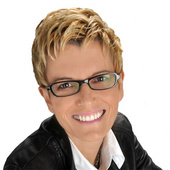 Michelle Vella (RealSTUDIO Branding & Design)
