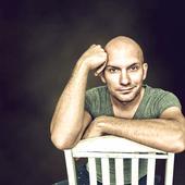 James Avera (AD Photography - Graphic Design)