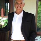 Louis LaFratta, Assisting Buyers and Sellers of Kauai Real Estate (Century 21 All Islands, Fine Homes & Estates)
