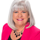 Amy Shocket, Working For You, Working For The Community (Dickson Realty)