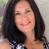 Kim Scully, Real estate agent serving Phoenix's West Valley (DPR Realty)