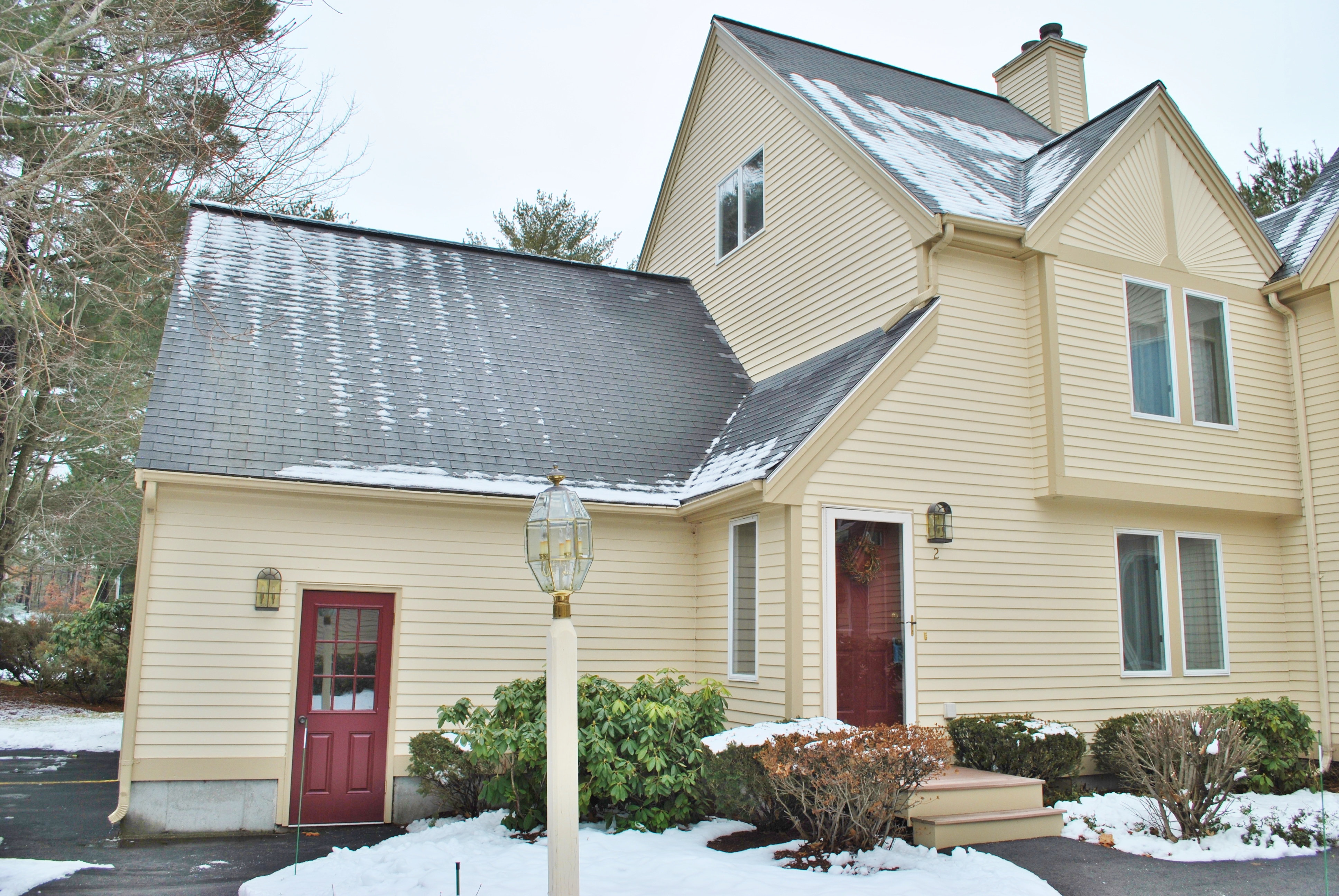 Beautiful 3 Bedroom, Glen Abbey Town House in Nashua NH
