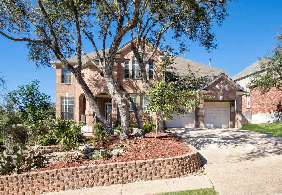 Large Colonial In Northeast Isd For Sale In San Antonio