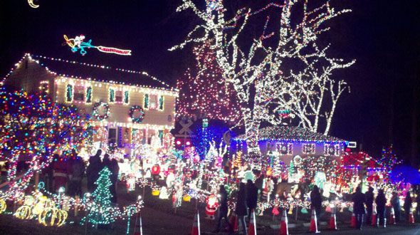 Nice Egg Nog Toasts, Trolleys, And Toboggans: Richmondu0027s Tacky Light Tour 2016 Images