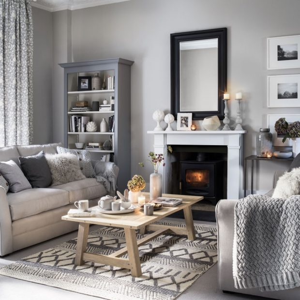 Designer Tips: How to Decorate a Living Room