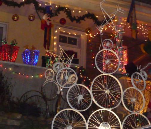 homerome 410 530 2400 - Baltimore 34th Street Christmas Lights