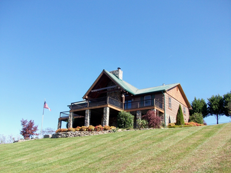 Log Homes For Sale On The South Holston River In The Bluff