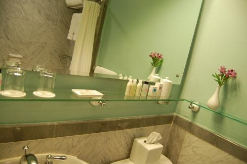 The Flufftastic Fairy Says Make The Most Of Your Small Space The Bathroom
