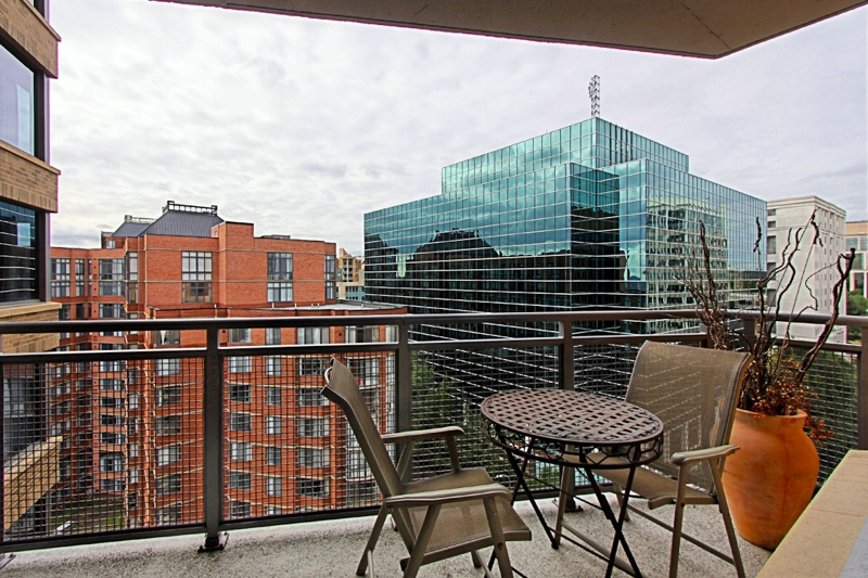 Charmant Beautiful 2 Bedroom, 2 Bath FURNISHED Contemporary Condo For RENT Near  Metro   1/10 Mile From Court House Metro   Arlington VA Homes, Apartments  And Condos ...