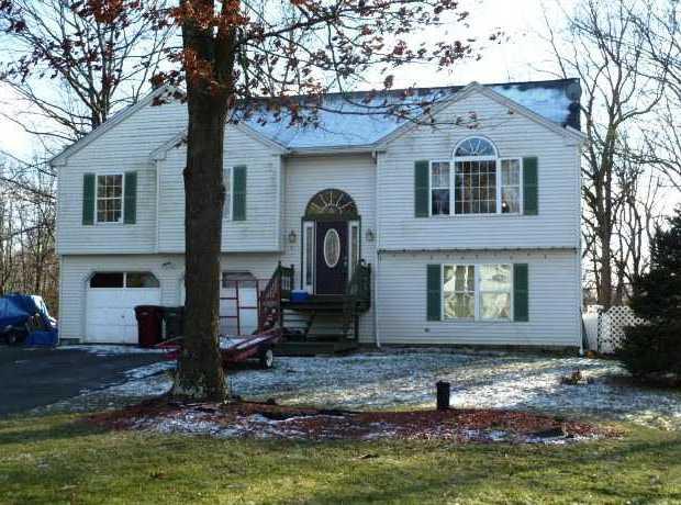 Homes under deposit in Naugatuck CT
