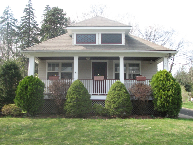 RIDGEWOOD BUNGALOW OPEN HOUSE SUNDAY APRIL 1ST