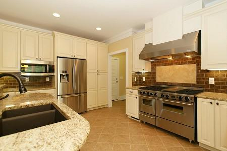 Top 5 Kitchen Tile Backsplash Ideas Behind the Cooktop