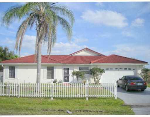 Poinciana pool home
