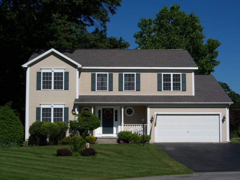 Clifton park ny homes for sale 8 hampshire place for Ny home for sale